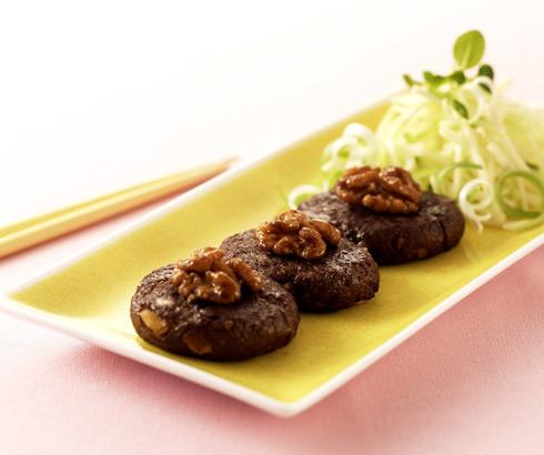 호두의 고소함과 고기의 감칠맛이 일품인 호두떡갈비 레시피